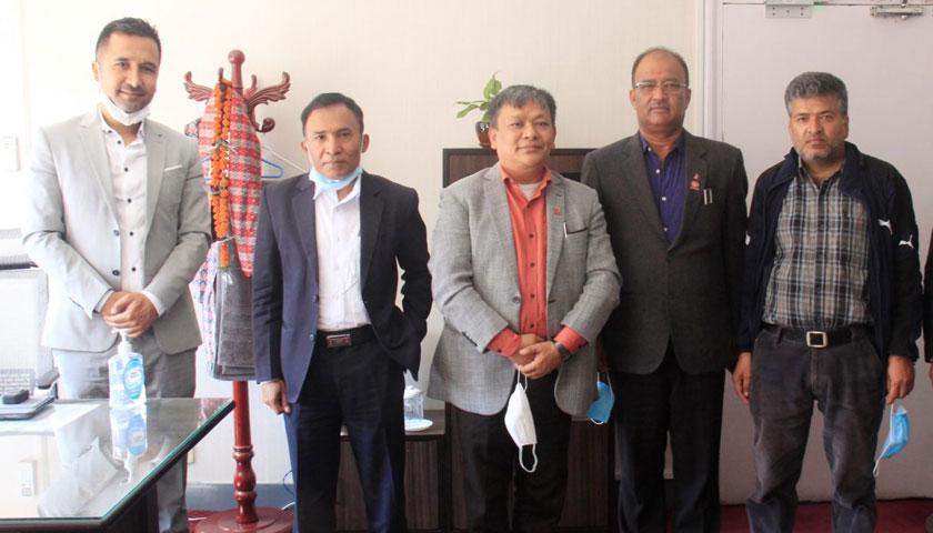 महासंघ प्रतिनिधिमण्डलले भौतिक र सार्वजनिक खरिद अनुगमन कार्यालयका सचिवसँग भेट