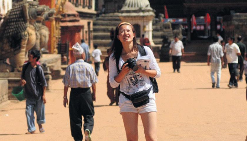 आउन थाले पर्यटक अलि खुसि छाै ब्यापारी