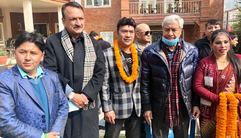 रक्षासिंह राणासहित दर्जन भन्दा बढी फिल्मकर्मी कांग्रेसमा प्रवेश