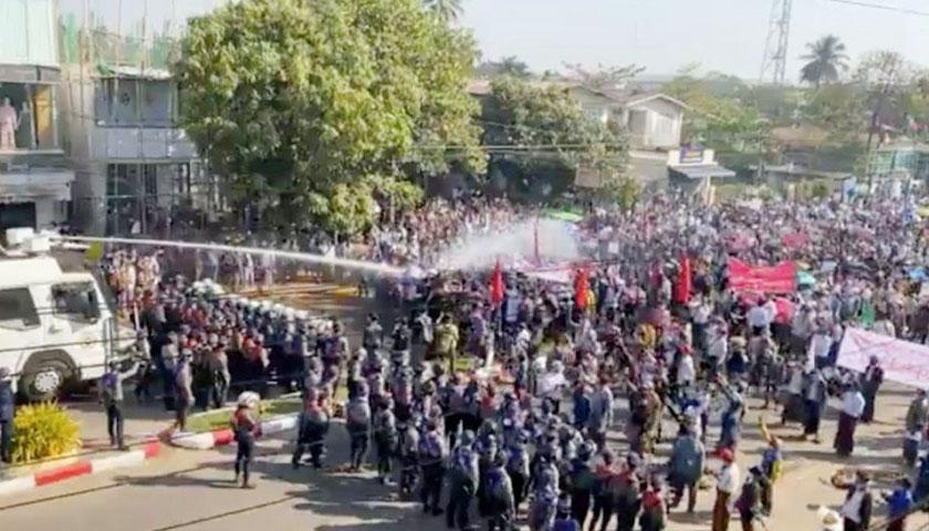 म्यानमारमा सैनिक कु विरुद्ध प्रदर्शनका क्रममा सैनिकले  अन्धाधुन्ध गोली चलाउँदा ८० जनाको मृत्यु