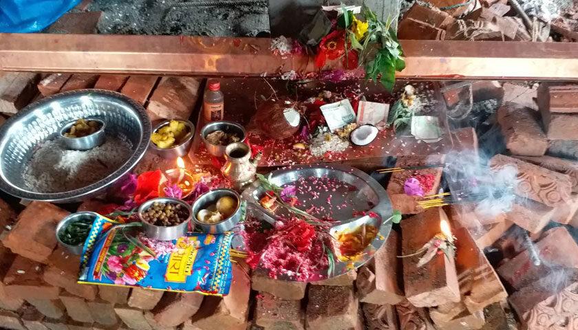 ऐतिहासिक शहर दोलखा स्थित नव निर्मित भैरव कुमारी भवनमा थासिमा (धुरी बलो) पूजा सम्पन्न